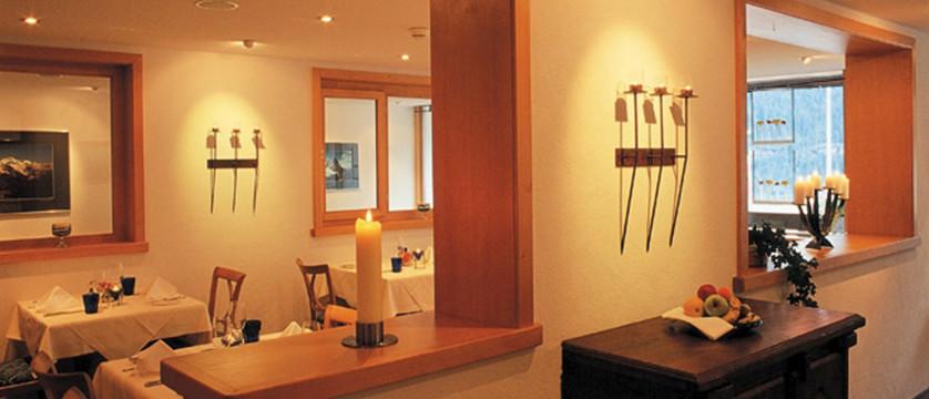 Hotel Eiger, Grindelwald, Bernese Oberland, Switzerland - Dining room 2.jpg